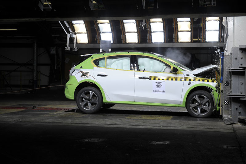 Ford Focus crash test